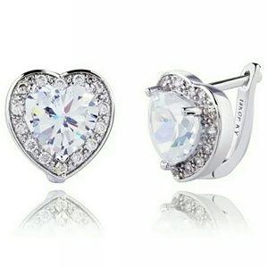 Beautiful Earrings 😘😘